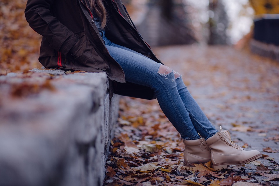 Mode féminine : quand les bottines s'invitent dans la tendance