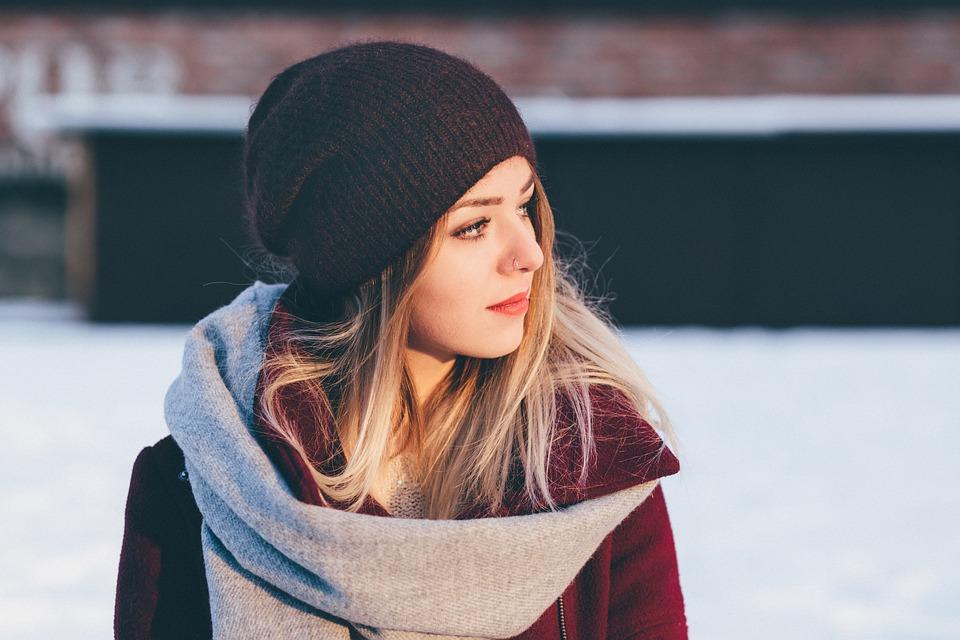 Comment refaire sa garde-robe pour femme pour l'hiver sans trop dépenser?